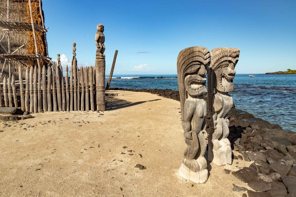 Puuhonua Place of Refuge Statues