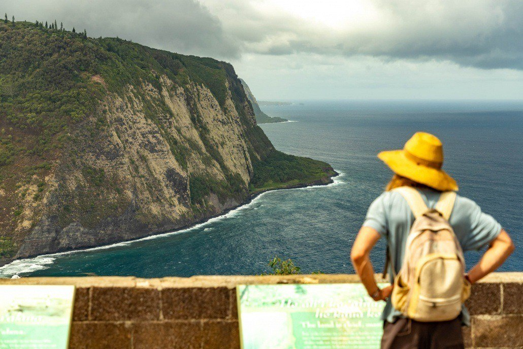 Waipio Valley Cliffs Guest View
